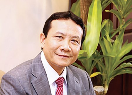 VNU - Pho Giam doc Nguyen Hong Son (2)